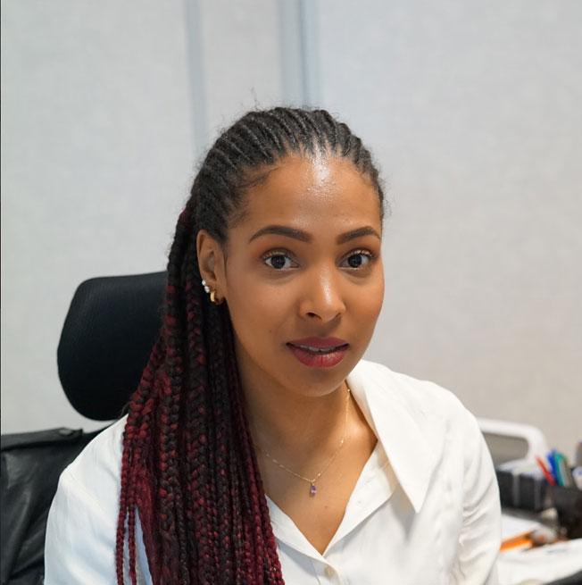 Zina KAMSEU - Directrice de Développement